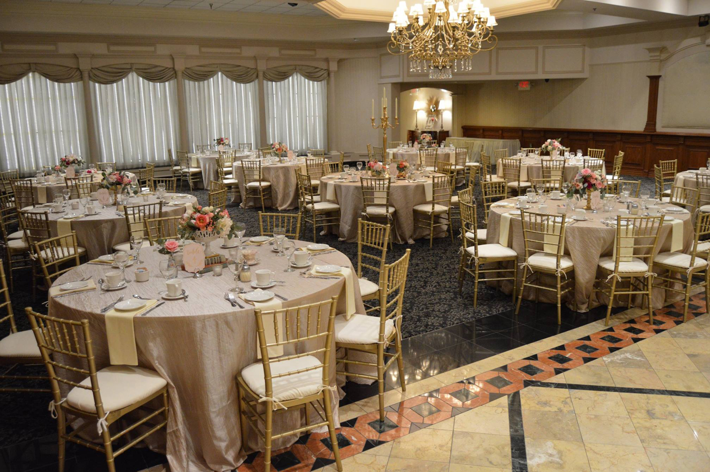 ballroom for a wedding at petruzzellos